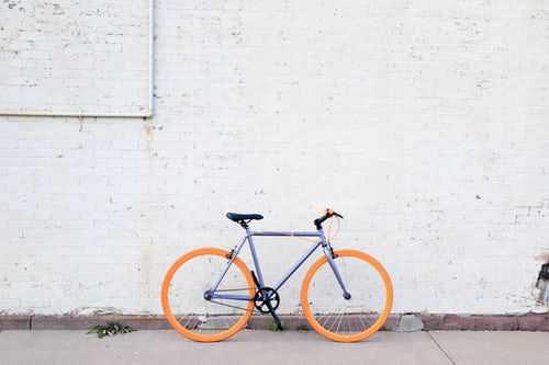 Заменете колата с колело и спестете пари